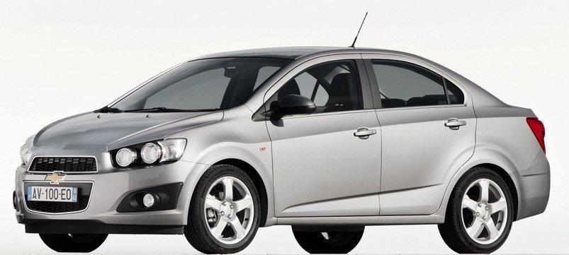 замены левого внутреннего шарового распределителя угловых скоростей Chevrolet Aveo.